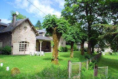 Vakantiehuis met zwembad in Dordogne-Limousin in Chaumeil (Frankrijk)