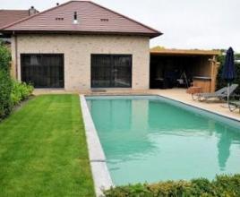 Vakantiehuis met zwembad in West-Vlaanderen in Hertsberge (België)