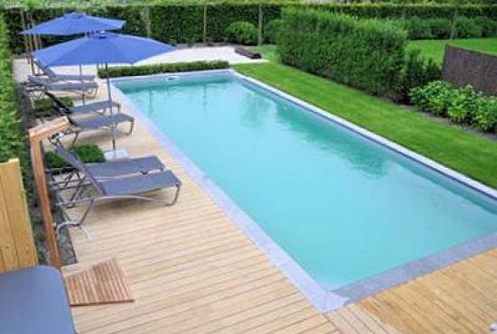 Vakantiehuis in Hertsberges, West-Vlaanderen - Zwembad en tuin
