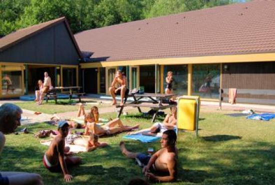 Location de vacances en Durbuy, Ardennes - Piscine commune