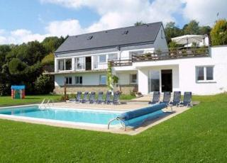 Casa vacanze con piscina in Aywaille, in Ardenne.