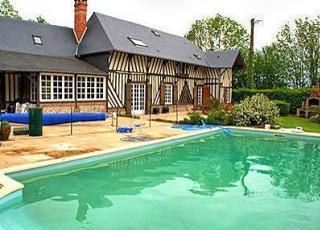 Vakantiehuis in Saint-André-d'Hébertot met zwembad, in Normandië.