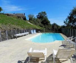 Casa vacanza con piscina in Auvergne in Cassaniouze (Francia)
