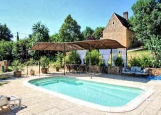Holiday house with pool in Dordogne-Limousin in Les Eyzies (France)