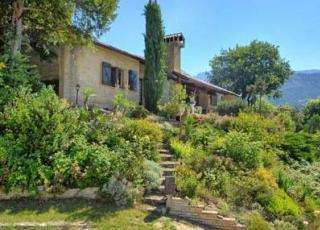 Vakantiehuis in Die met zwembad, in Provence-Côte d'Azur.