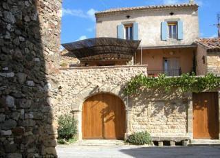 Vakantiehuis in La Bastide-d'Engras met zwembad, in Languedoc-Roussillon.