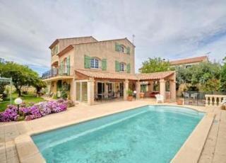 Vakantiehuis in Sérignan met zwembad, in Languedoc-Roussillon.