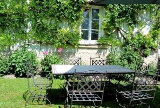 Ferienhaus in  Luzillé, Centre - Terrasse und Garten