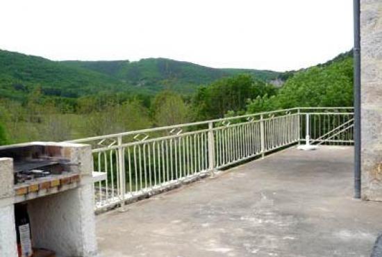 Vakantiehuis in Tour-de-Faure, Dordogne-Limousin - Terras en uitzicht