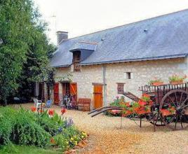 Location de vacances avec piscine à Longué-Jumelles, Pays de la Loire