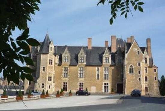 Location de vacances en Longué, Pays de la Loire - Château de Baugé