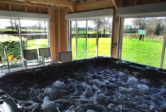 Holiday house in Périers, Normandy - Jacuzzi