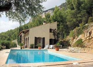 Vakantiehuis in Solliès-Ville met zwembad, in Provence-Côte d'Azur.