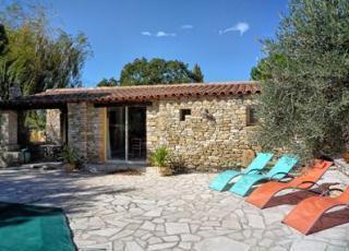 Vakantiehuis in L'Isle-sur-la-Sorgue met zwembad, in Provence-Côte d'Azur.