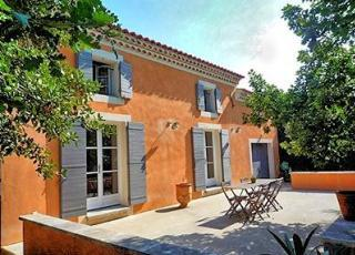 Casa vacanze con piscina in Mazan, in Provence-Côte d'Azur.