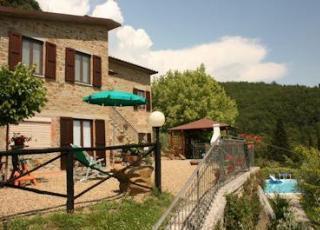 Location de vacances avec piscine à San Giustino Valdarno, Toscane.