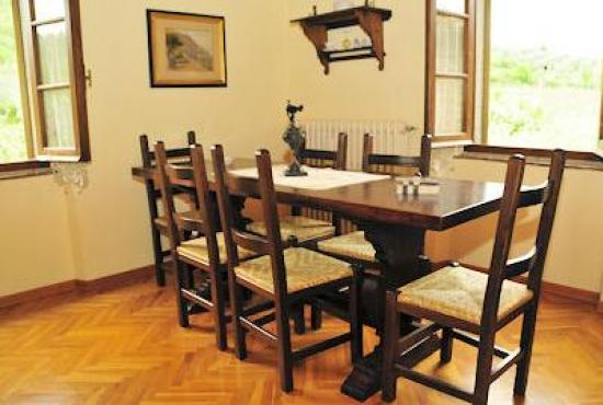 Holiday house in Ossaia, Tuscany - Dining area