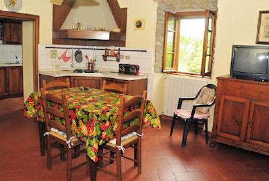 Holiday house in Ossaia, Tuscany - Diningroom