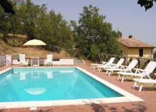 Vakantiehuis met zwembad in Umbrië in Spina (Italië)