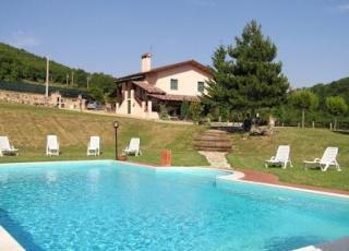 Vakantiehuis met zwembad in Umbrië in Valbiancara (Italië)
