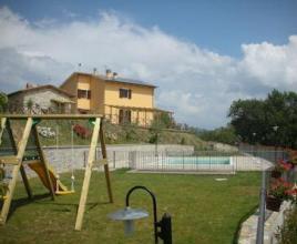 Casa vacanze con piscina in Casacastalda, in Umbria.