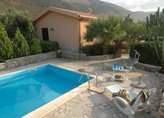 Vakantiehuis met zwembad in Sicilië in Fraginesi (Italië)