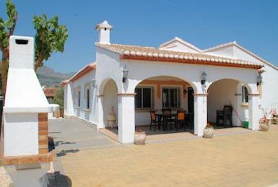Vakantiehuis in Orba, Costa Blanca - Voorkant van de villa