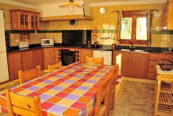 Vakantiehuis in Vilobi d'Onyar, Costa Brava - Keuken met eethoek