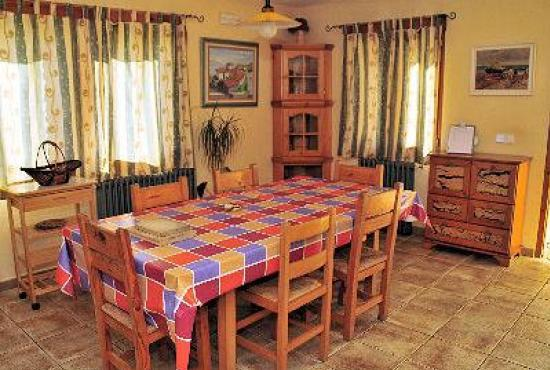 Ferienhaus in  Vilobi d'Onyar, Costa Brava - Küche mit Essecke