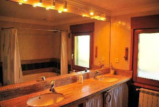 Holiday house in Vilobi d'Onyar, Costa Brava - Bathroom