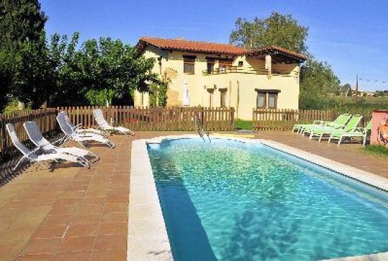 Vakantiehuis in Vilobi d'Onyar, Costa Brava - Huis met zwembad