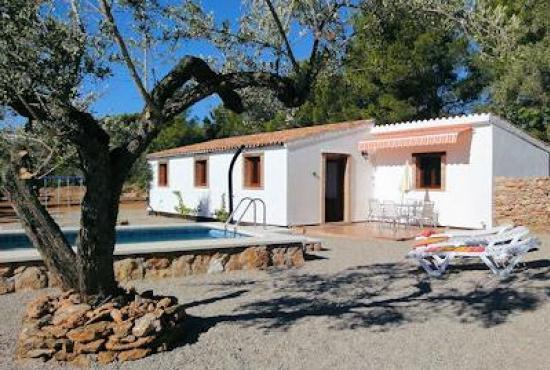Holiday house in El Perelló, Costa Dorada - House and pool