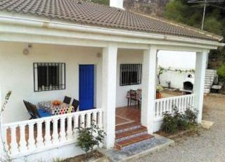Vakantiehuis met zwembad in Costa Azahar in Pedralba (Spanje)