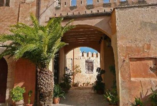 Vakantiehuis in Pedralba, Costa Azahar - Castillo Benisano