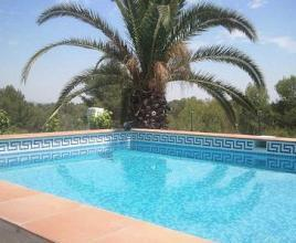 Holiday house in Pedralba with pool, in Costa Azahar.