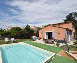 Holiday house in Cagnes-sur-Mer with pool, in Provence-Côte d'Azur.