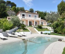 Ferienhaus in Villeneuve-Loubet mit Pool, in Provence-Côte d'Azur.