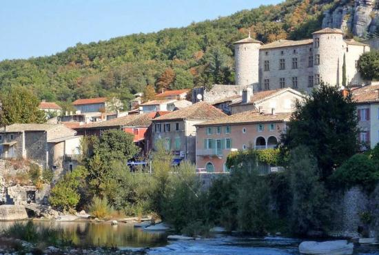 Vakantiehuis in Darbres, Provence-Côte d'Azur - Vogüé