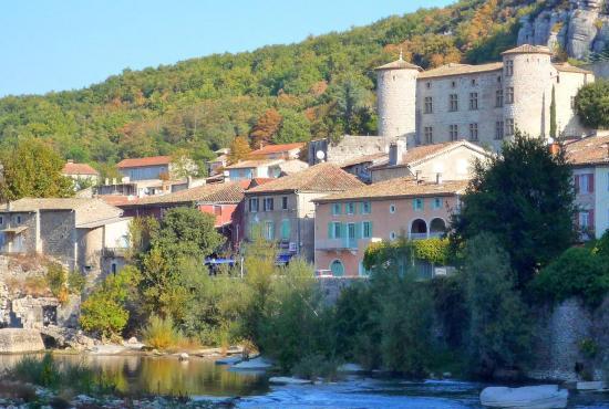 Vakantiehuis in Aubignas, Provence-Côte d'Azur - Vogüé