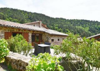 Vakantiehuis in Chalencon, in Provence-Côte d'Azur.