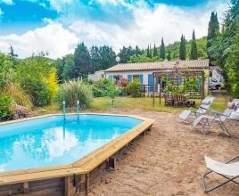 Casa vacanze con piscina in Félines-Termenès, in Languedoc-Roussillon.