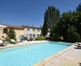 Ferienhaus mit Pool in Provence-Côte d'Azur in Raphèle-les-Arles (Frankreich)