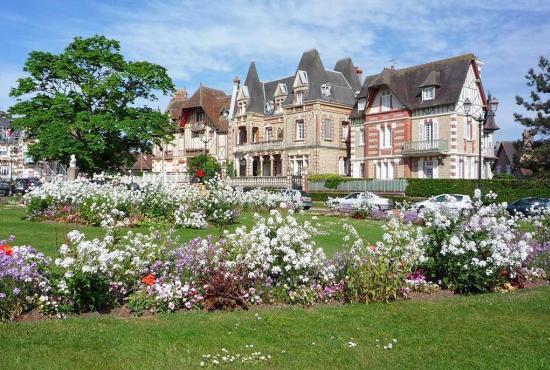 Ferienhaus in  Pennedepie, Normandie - Cabourg