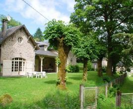 Holiday house in Chaumeil with pool, in Dordogne-Limousin.