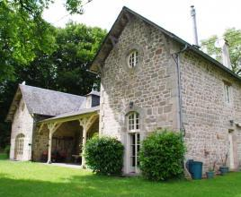 Location de vacances avec piscine à Chaumeil, Dordogne-Limousin.