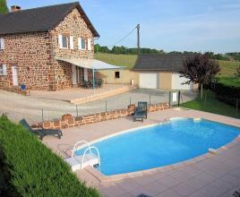 Holiday house in Lagleygeolle with pool, in Dordogne-Limousin.