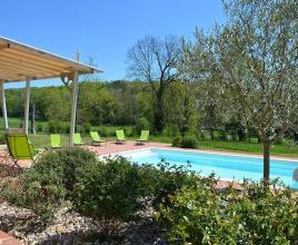 Holiday house in Meyssac with pool, in Dordogne-Limousin.