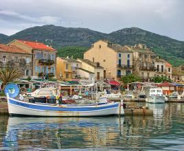 Vakantiehuis in Macinaggio aan zee, in Corsica.