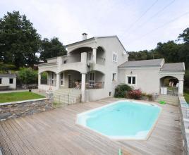 Vakantiehuis in Santa-Lucia-di-Moriani met zwembad, in Corsica.