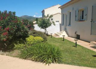 Vakantiehuis in Oletta met zwembad, in Corsica